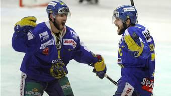 Lockere Sache: Langenthal um Brent Kelly (links) und Stefan Tschannen schlagen überforderte Thurgauer. MARCEL BIERI