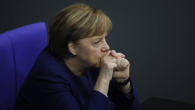Sorgenvoller Blick auf die Virusmutation aus Grossbritannien: Kanzlerin Angela Merkel.