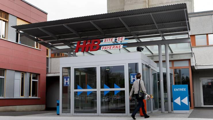 Das Spital in Payerne wurde Schauplatz einer grossen Polizeiaktion.