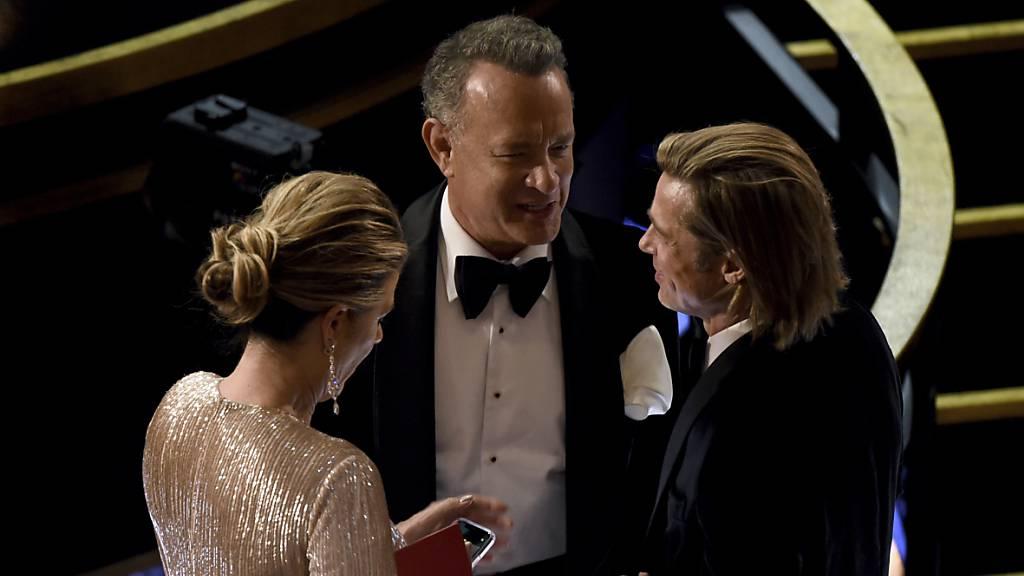 Die Dreharbeiten zum Elvis-Film mit Tom Hanks (Mitte) können fortgesetzt werden. Australien, wo der Film gedreht wird, hat grünes Licht gegeben. (Archivbild)