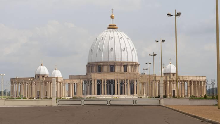 Das Original steht in Rom - der Petersdom in Afrika.