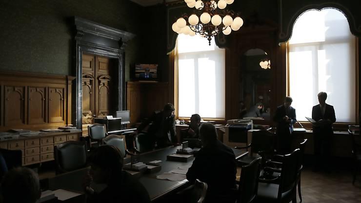 Keine Hinterzimmer-Politik mehr: Die Ständeratskommission will mehr Transparenz im Lobbying. (Symbolbild)