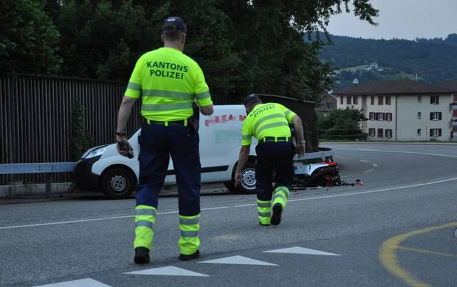 Der Autofahrer blieb unverletzt. Die Kantonspolizei nahm dem 19-jährigen Neulenker den Führerausweis zu Handen des Strassenverkehrsamtes ab.