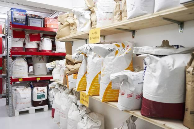 Verschiedene Mehlsorten: Die Knecht Mühle tüftelt immer wieder an neuen Brotkreationen.