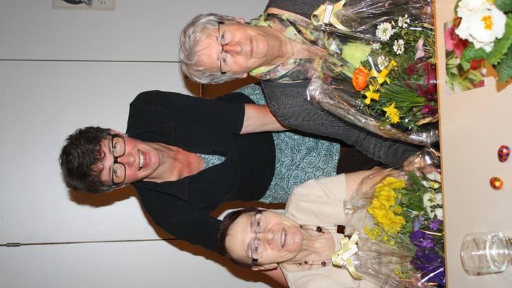 IMG_5937die Geehrten Vorne Heidi Gross und Margrith Schopfer.JPG