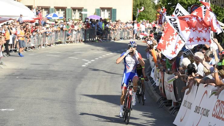 Steve Morabito (vorne) gewinnt die Schweizer Meisterschaften im Sprint vor Patrick Schelling (hinten). Steve Morabito (vorne) gewinnt die Schweizer Meisterschaften im Sprint vor Patrick Schelling (hinten).