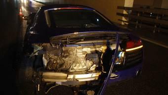 Ein Neulenker ist in der Freitagnacht auf der Autobahn A1 in Lenzburg in die Leitplanke gefahren.