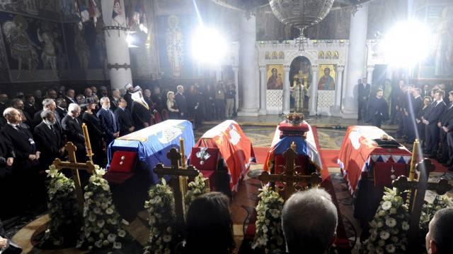 Königliche Beerdingungs-Zeremonie in der serbischen Stadt Topola