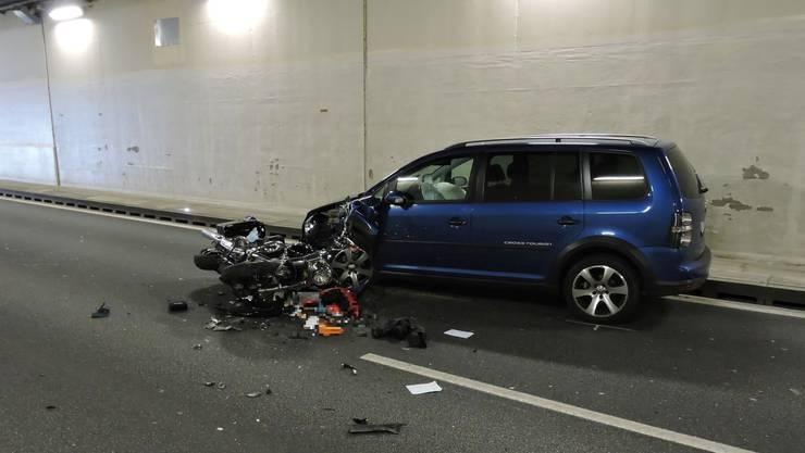 Ein Motorradfahrer starb in der Nacht auf Donnerstag im Reinachertunnel.