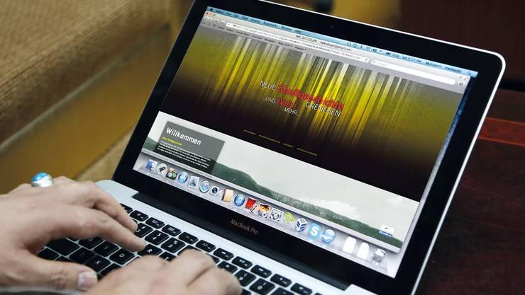 Auf der Website www.stadtgeschichte-grenchen.ch findet man auch den Link zur Wiki-Seite.