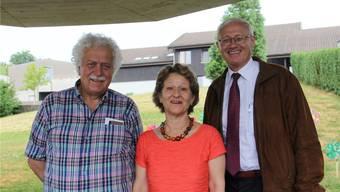 Stiftungsratspräsident Ernst Kistler (rechts) hat gestern Heimleiter Hans Röthlisberger und Ehefrau Brigitte verabschiedet. CM