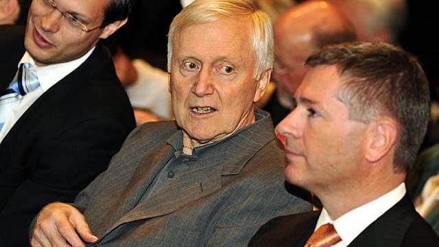Martin Ebner (Mitte) an der GV