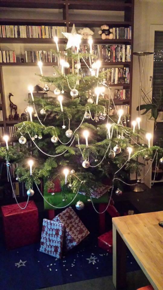 Reich geschmückt, der Christbaum von Denise