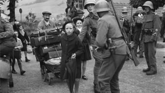 Auch im Freiamt hätten in den 1940er-Jahren Flüchtlinge (hier Franzosen an der Grenze bei Les Verrières) aufgenommen werden sollen.
