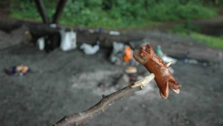 Bräteln am offenen Feuer im Wald bleibt verboten