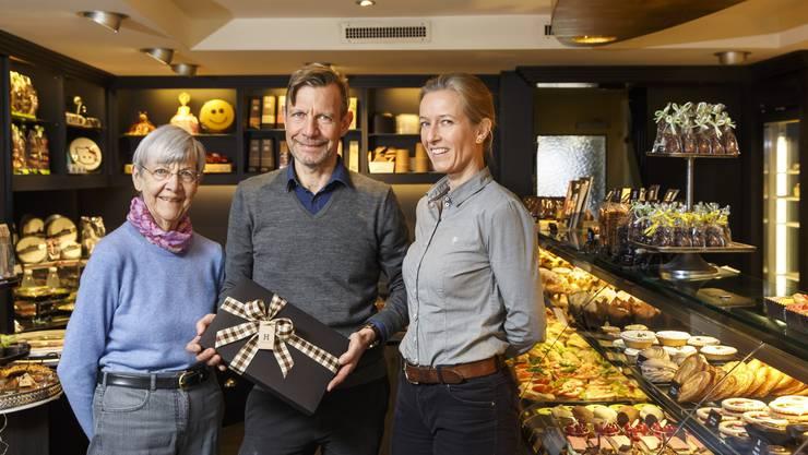 v.l. Erika Hofer, Philipp Hofer und seine Frau Ingrid Spit.
