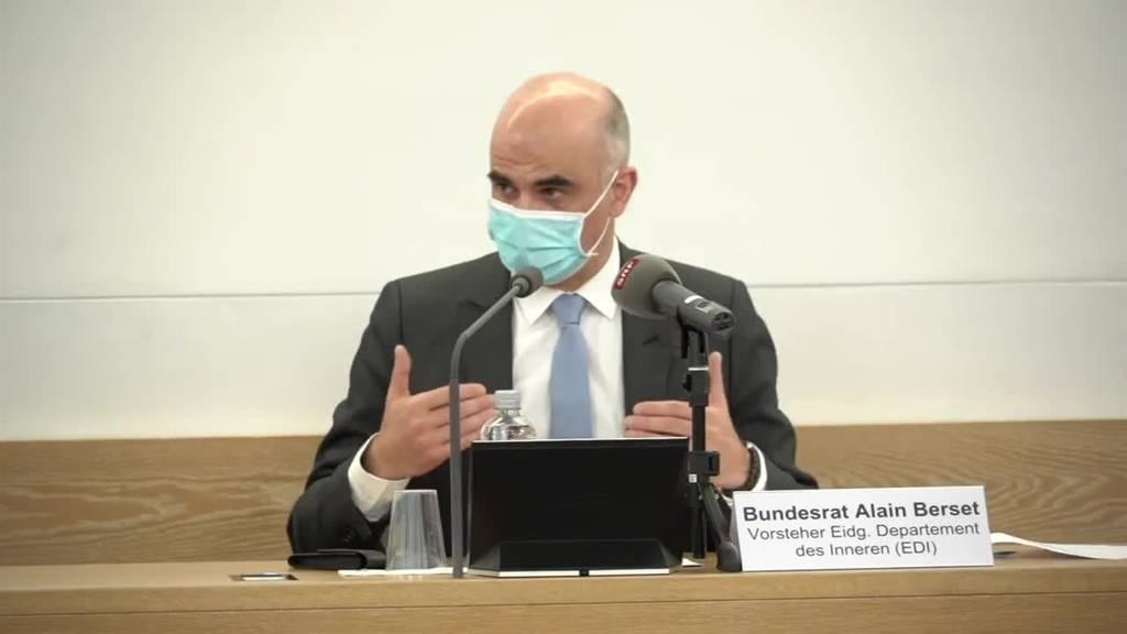 Berset will bis im Sommer alle Impfwilligen gegen Covid-19 impfen