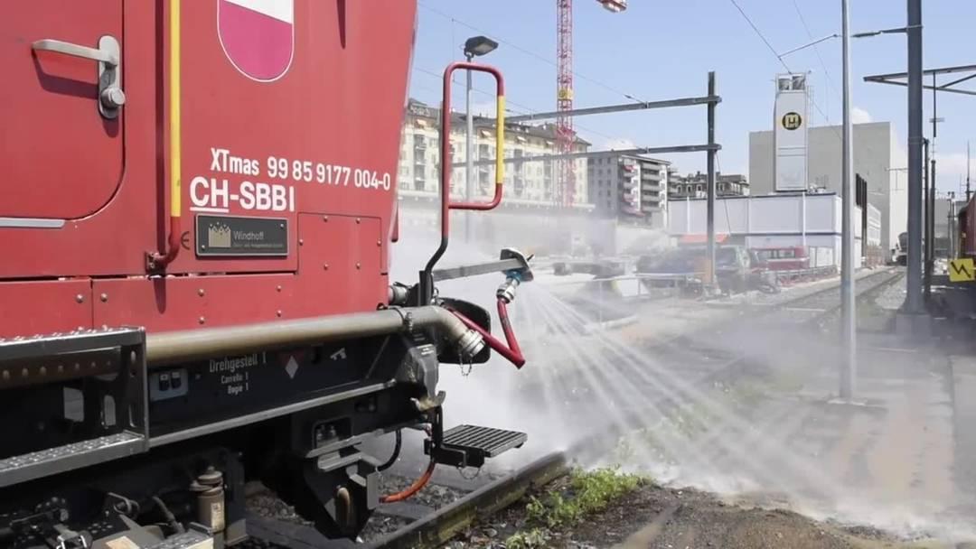 SBB: Farbe und Wasser zur Kühlung der Schienen