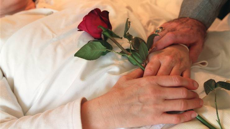 Sterbehilfe ist im Fricktal kein Tabu-Thema. Symbolbild Keystone