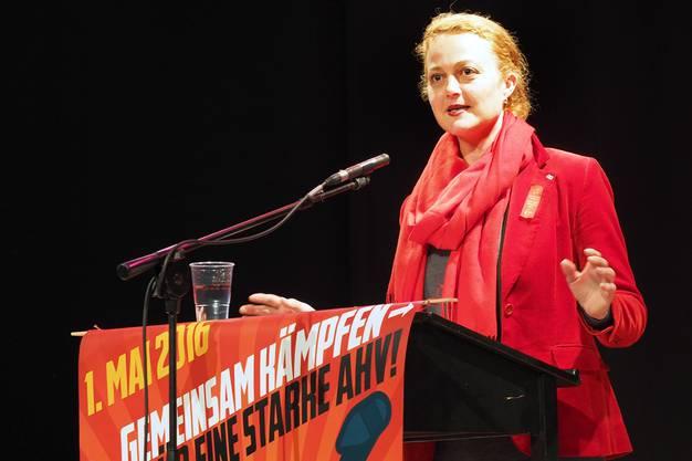 """SEV-Sekretärin Lucie Waser bei ihrer Rede in der Schützi: """"Der Klassenkampf ist definitiv nicht tot."""""""