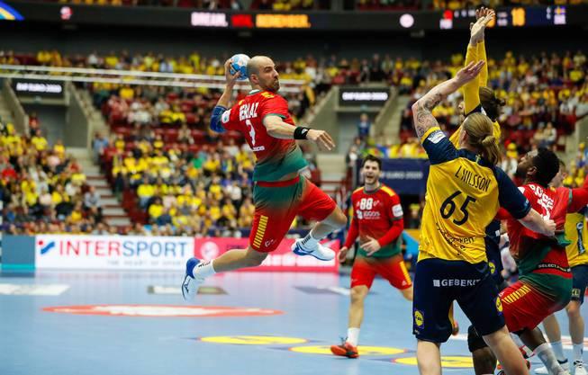 HSC-Linkshänder João Ferraz (l.) überzeugte an der EM im portugiesischen Trikot mit 20 Treffern.