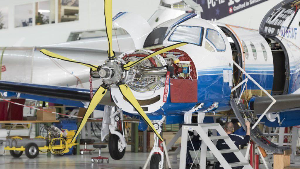 Pilatus hatte 2017 einen Supportvertrag für die PC-21-Flotte der saudischen Luftstreitkräfte abgeschlossen. Der Flugzeughersteller hatte das Aussendepartement (EDA) aber nicht über den umstrittenen Auftrag in Kenntnis gesetzt. (Archivbild)