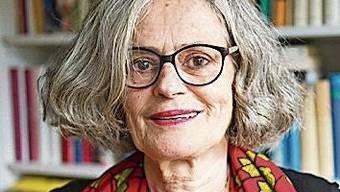 «Politik wurde in der Beiz gemacht, und dort wollte man die Frauen allerhöchstens als Servicepersonal.» Die Historikerin Elisabeth Joris, 75, hat für ihre Arbeit die Ehrendoktorwürde der Uni Zürich erhalten.