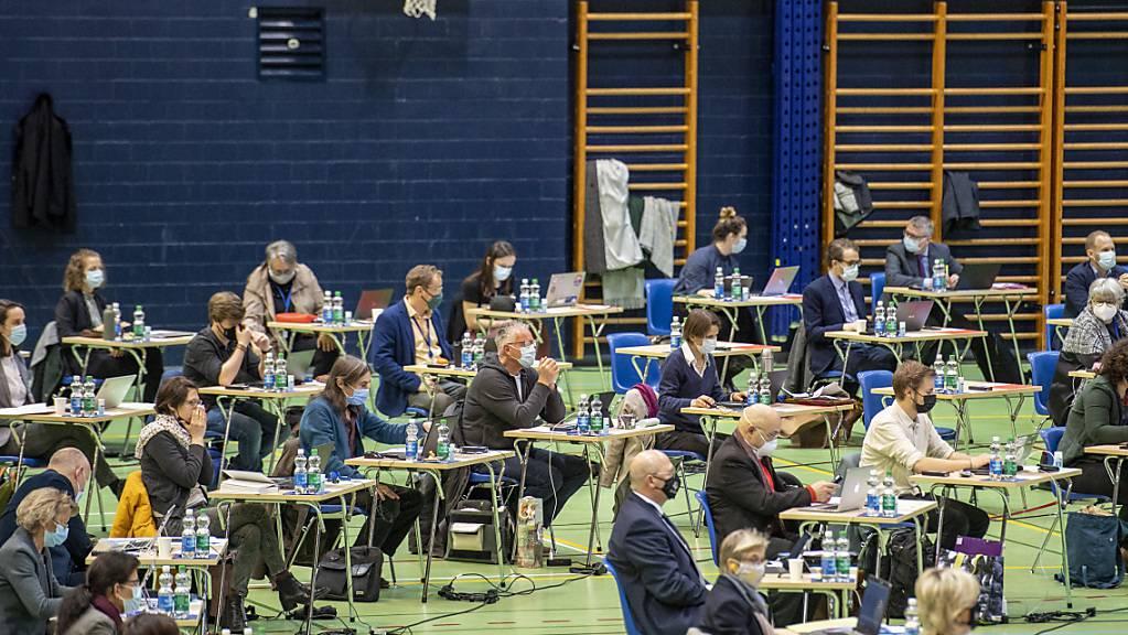 Das Luzerner Kantonsparlament tagt wegen Corona in der Stadthalle Sursee. (Archivaufnahme)