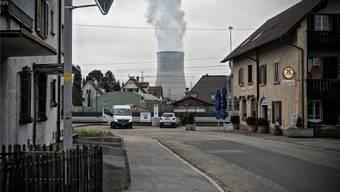 Die Gemeinderatswahlen vom 21. Mai finden gleichzeitig mit der eidgenössischen Abstimmung über die Energiestrategie 2050 statt (Bild: Däniken mit dem AKW Gösgen.)