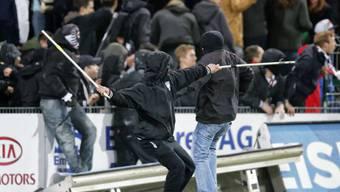 Hooligans nach dem Meisterschaftsspiel zwischen Aarau und Basel.