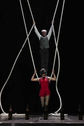 Das Schweizer Künstler-Duo E1NZ mit wenigen Worten zu beschreiben, ist nicht so einfach. Sie live zu erleben hat die Teilnehmenden der Tagung begeistert.