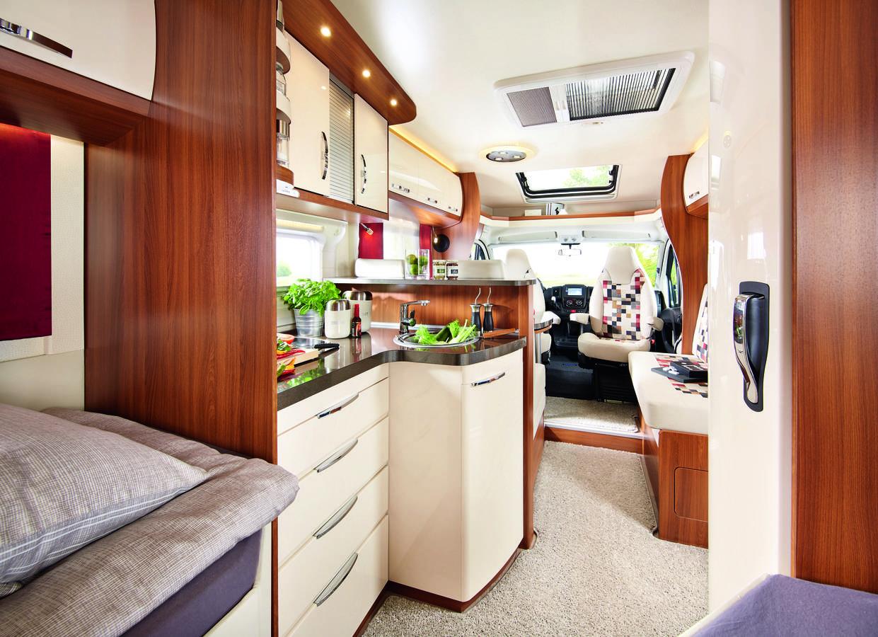 Touringcars Wohnmobil Interior (© Touringcars)