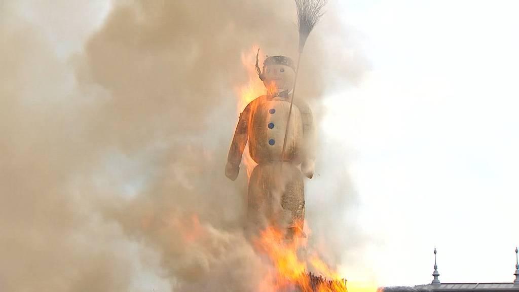 Böögg wird in der Schöllenenschlucht verbrannt