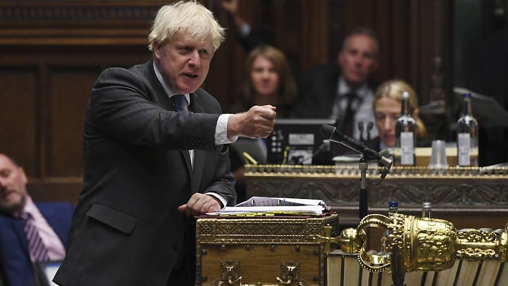 HANDOUT - Boris Johnson, Premierminister von Großbritannien, spricht im britischen Unterhaus. Foto: Jessica Taylor/UK Parliament/dpa - ACHTUNG: Nur zur redaktionellen Verwendung im Zusammenhang mit der aktuellen Berichterstattung und nur mit vollständiger Nennung des vorstehenden Credits