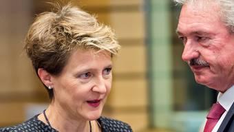Justizministerin Simonetta Sommaruga und Luxembourgs EU-Gesandter Jean Asselborn in Brüssel.