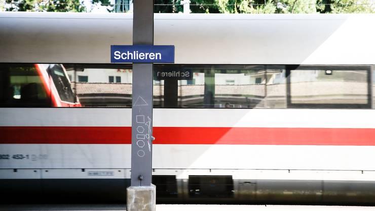 Jetullahi absolviert die Tour 61. Das heisst, er reinigt die Bahnhöfe Thalwil, Dietikon, Glanzenberg, Urdorf, Urdorf Weihermatt und Schlieren.