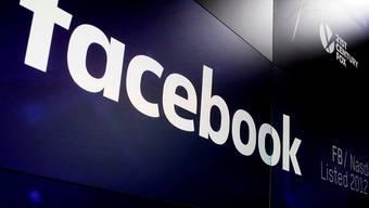 Facebook verschärft den Kampf gegen Falschmeldungen. (Archivbild)