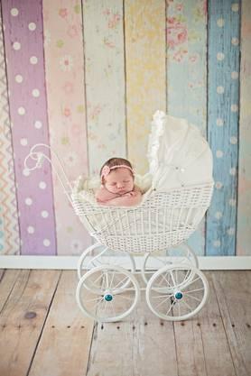 Als selbstständige Fotografin macht Laura Kissling unter dem Namen «Little Dreams» Bilder wie mit diesem Neugeborenen