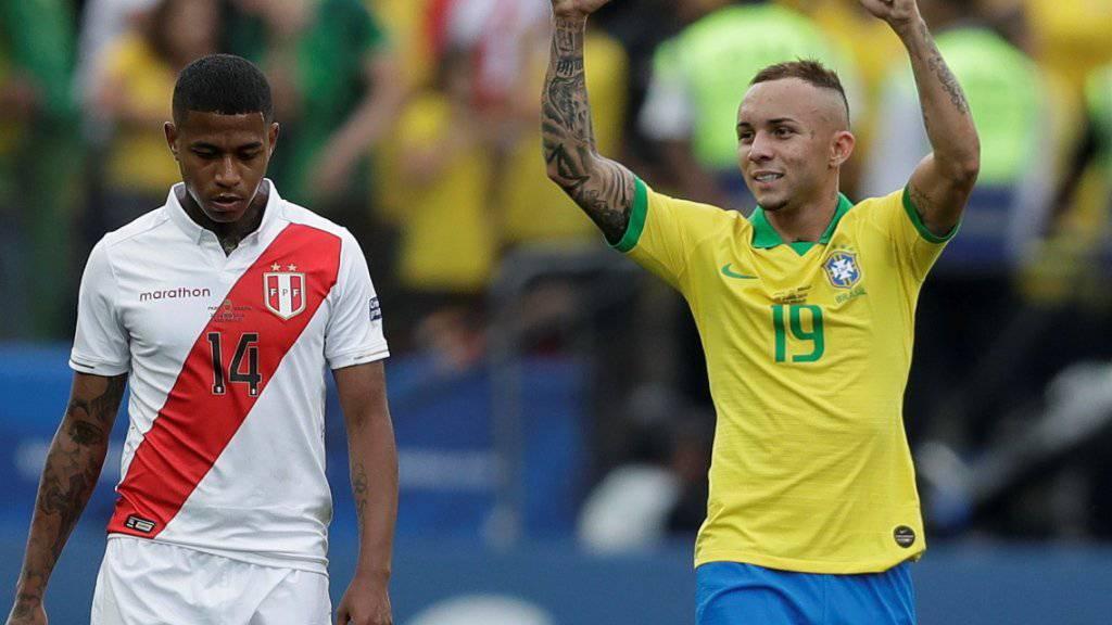 Gastgeber Brasilien, Titelverteidiger Chile und Venezuela weiter