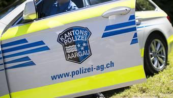 Die Kantonspolizei klärt den genauen Unfallhergang ab. Der Sachschaden wird auf zirka 30'000 Franken geschätzt. (Symbolbild)