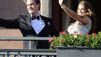 Die schwedische Prinzessin Madeleine (r) und ihr Ehemann Christopher O'Neill wollen sich mit ihren drei Kindern in den USA niederlassen. (Archivbild)
