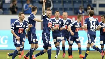 Jakob Jantscher feiert als Mann des Spiels einen seiner Treffer.