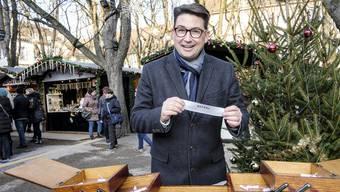 Manuel Staub und das Nähkästchen sind in Weihnachtsstimmung. Er hat den Begriff «Gefühl» erwischt.