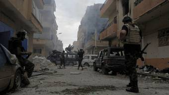 Libysche Soldaten in Bengasi (Archiv)