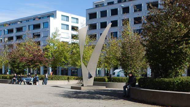 So wie auf dieser Visualisierung soll die Skulptur Joy dereinst aussehen, sie kommt aber an einer leicht andere Stelle auf dem Rapidplatz zu stehen.