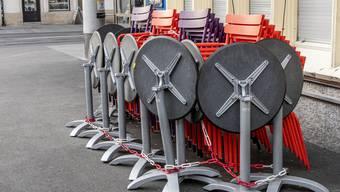 """Basel im Teil-Lockdown: Seit 23. November sind in der Stadt Restaurants und Bars geschlossen (im Bild die Kleinbasler Beiz """"Zum Schien Eck"""")."""