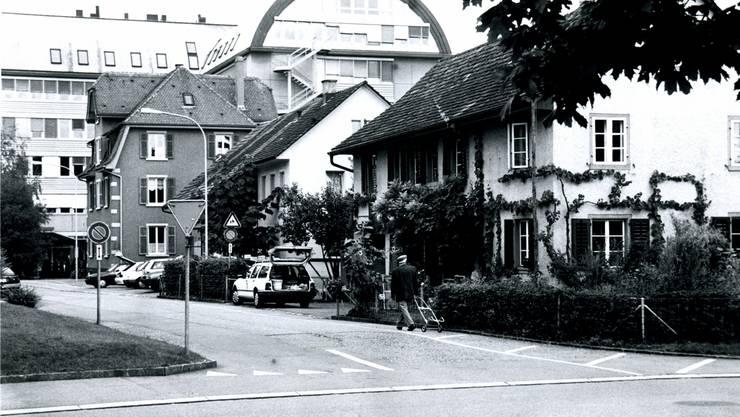 So präsentierte sich die Situation an der Mündung der Neumatt- in die Merkurstrasse, bevor dort gebaut wurde.