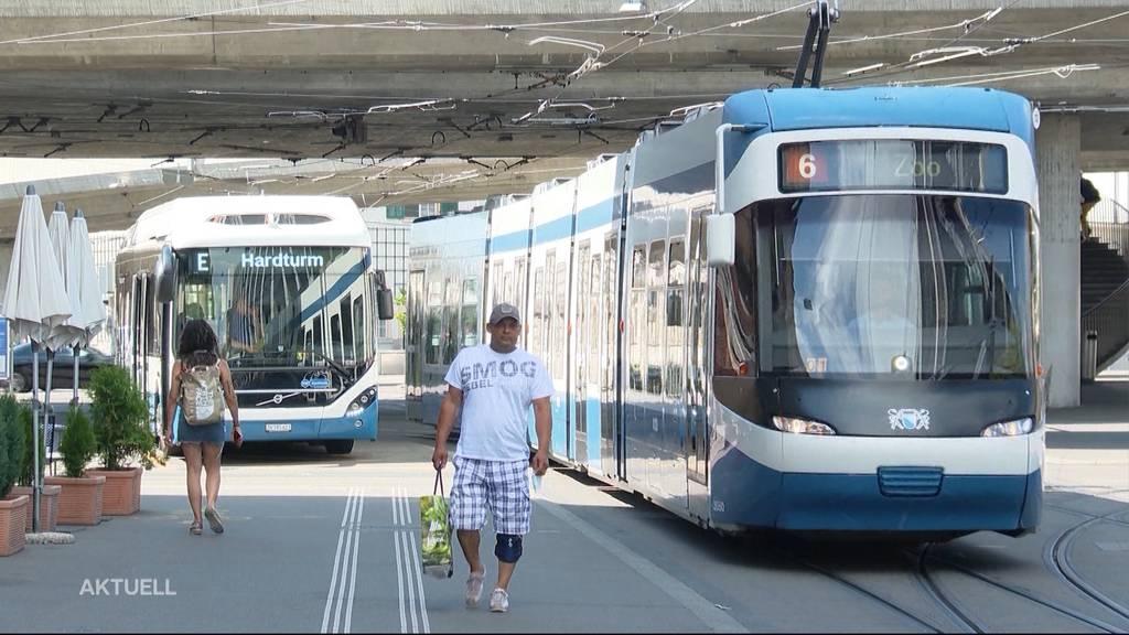 Keine Suva-konforme Montage: Zürcher Trams fahren ohne 1. August-Fähnchen
