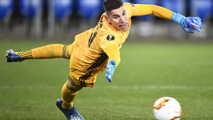 Djordje Nikolic muss nicht einmal beim Penalty von Apoel eingreifen.