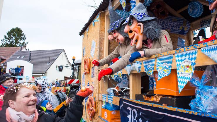 Die Schnappschüss Fränkedorf bringen das Oktoberfest an die Fasnacht.